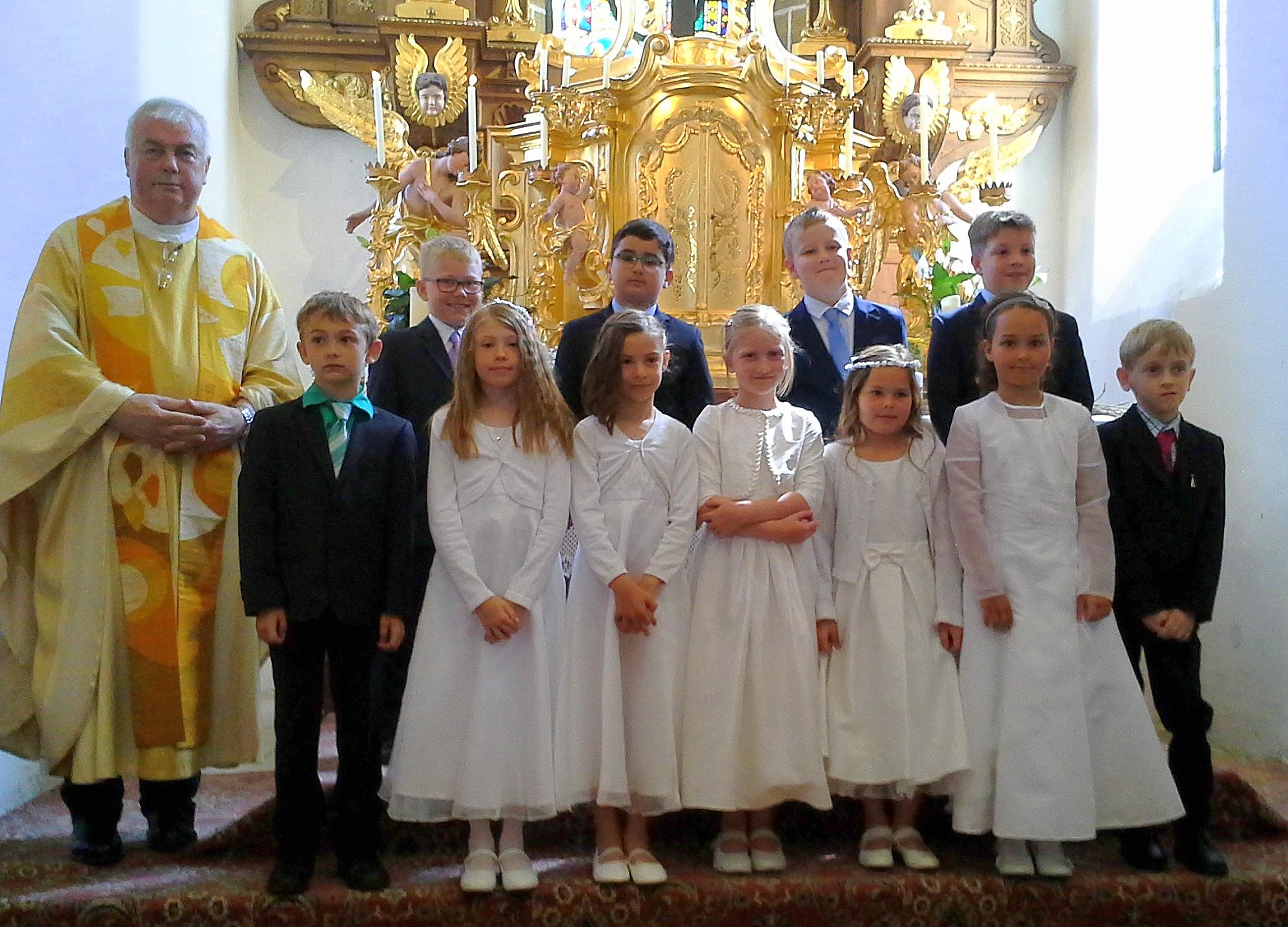 Ardagger Stift: Erstkommunion War Ein Buntes Pfarrfest
